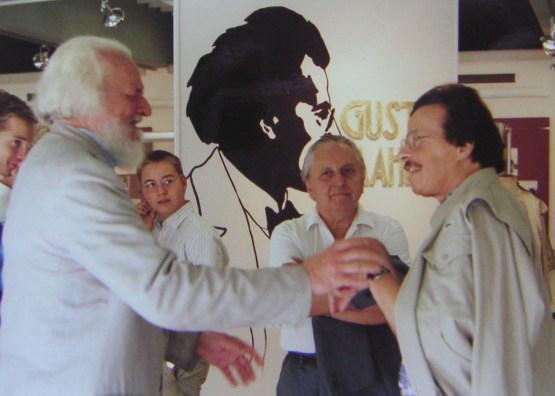 Mit Gottfried von Einem und Karlheinz Füssl beim Gustav-Mahler-Komponierhäuschen in Maiernigg / © Photo: Marie-Luce Eröd, Archiv Eröd.